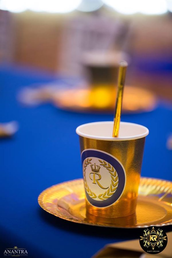 golden-party-cups