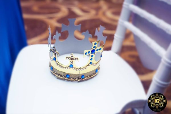 prince-crown-on-chairs
