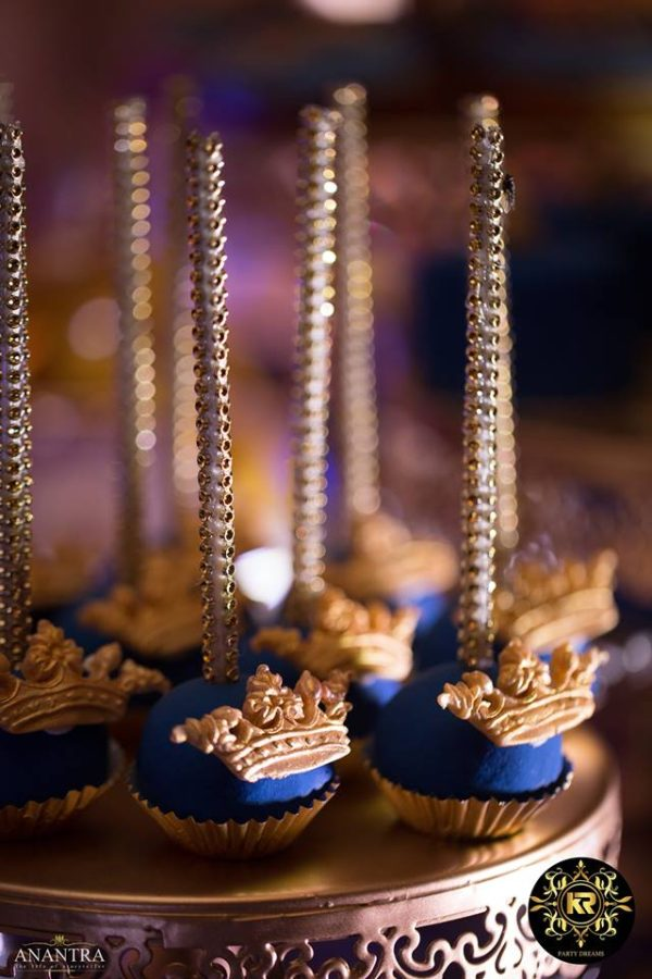 royal-prince-cake-pops
