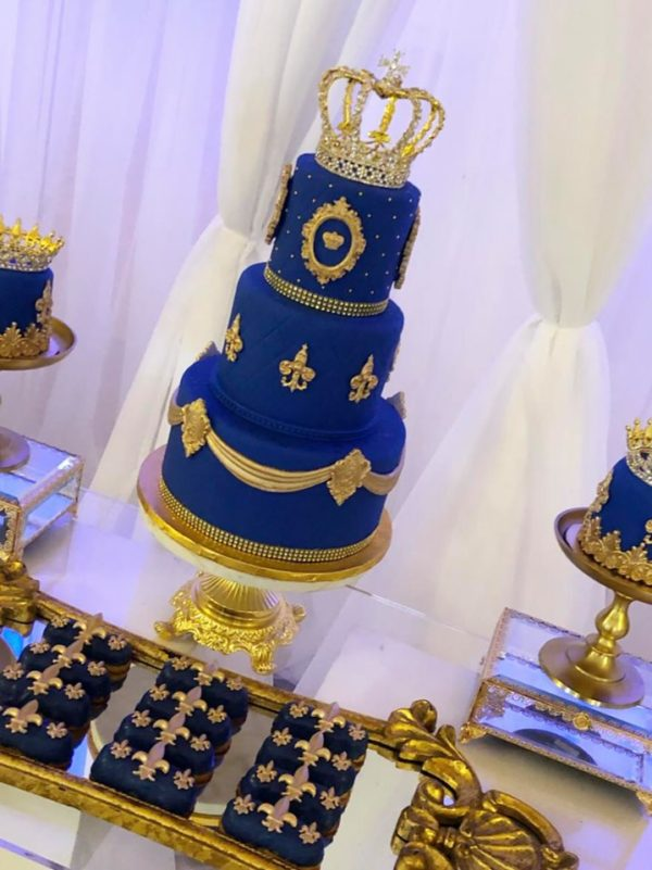 3-tiered-gold-and-royal-blue-king-baby-shower-cake