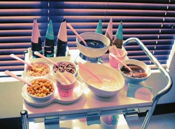ice-cream-sundae-bar