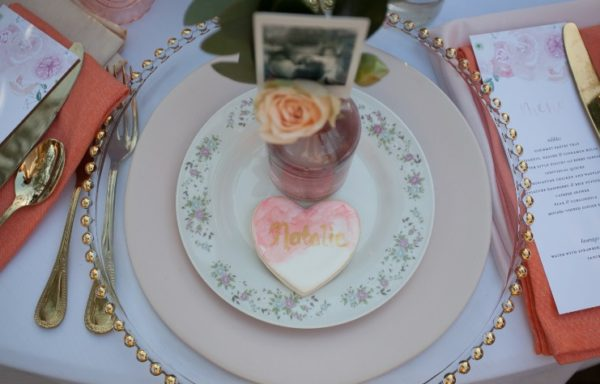 cottage-themed-party-setup-guest-table-heart-cookies