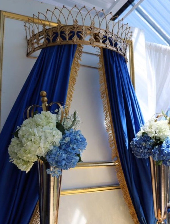 gold and blue royal curtain backdrop