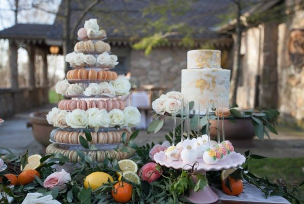 mothers-day-brunch-macaroons-and-foil-gold-cake