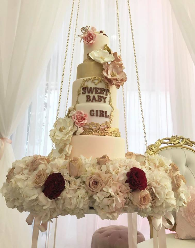 sweet-baby-bear-shower-gold-cake