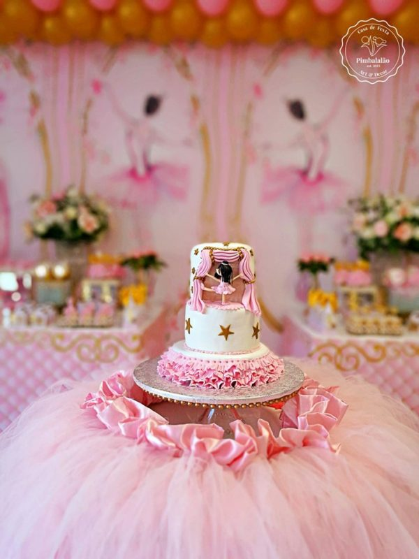 pink-ballerina-party-cake
