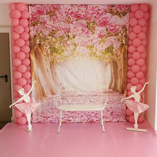 pink-ballerina-party-photobooth-chair