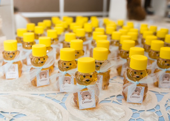 Drive-By-baby-shower-pick-up-favors