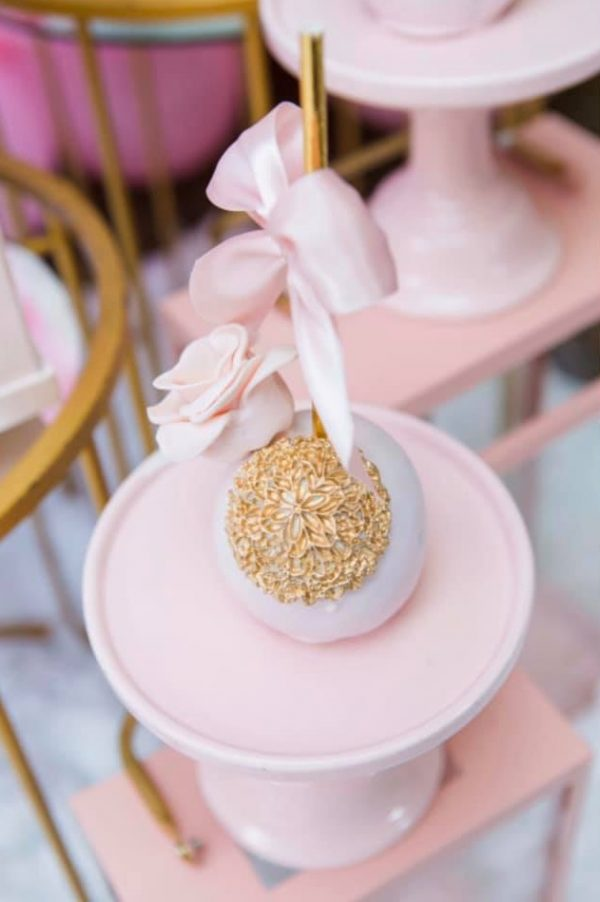 pink and gold princess cakepops