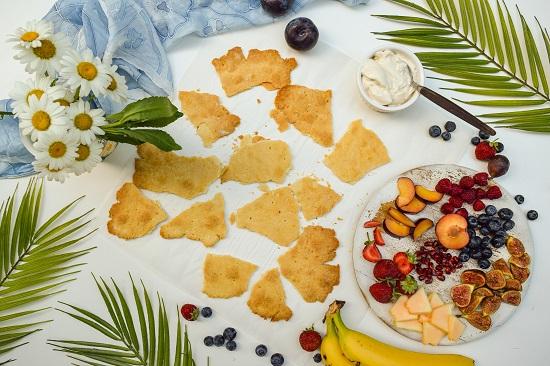 prepare fruits and berries