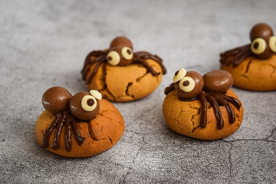 Cute Halloween Spider Cookies Recipe for Kids
