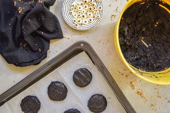 Spooky Black Halloween Cookies