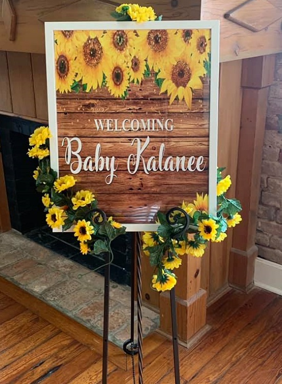 country-chic sunflower welcome sign