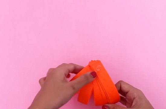 video on making paper pumpkin 2