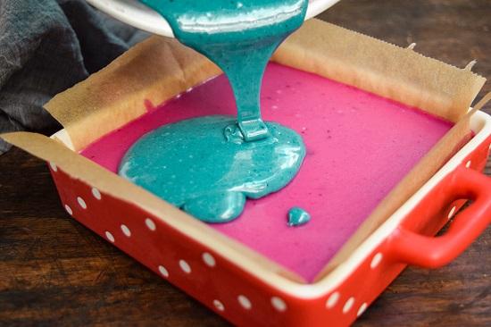 blue spirulina powder and Pink pitaya powder