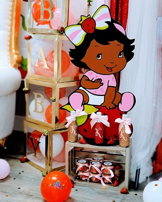african american Strawberry Shortcake Baby shower decors