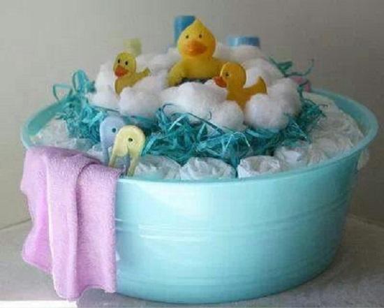 bathtime-ducky-diaper-cake
