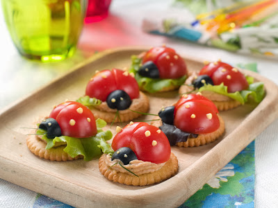 ladybug themed party crackers