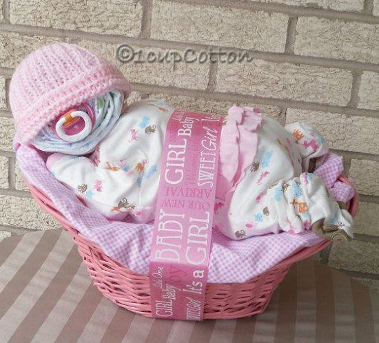 sleeping-baby-diaper-cake