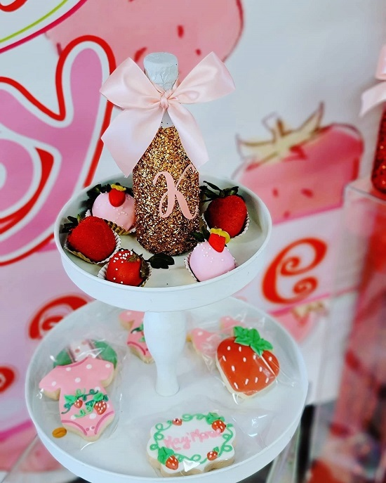 strawberry cookies and sweets