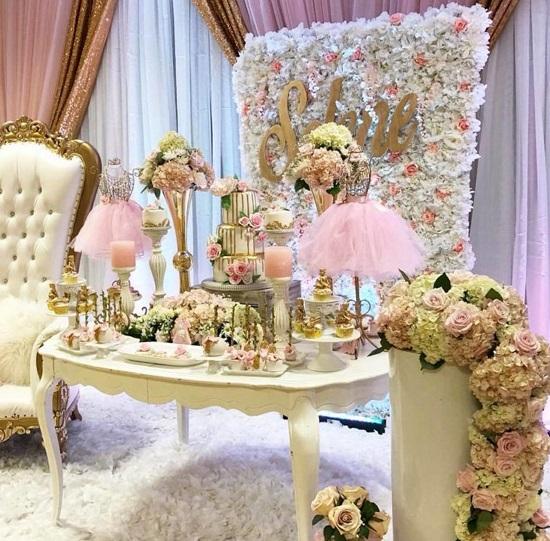 flower backdrop baby shower idea