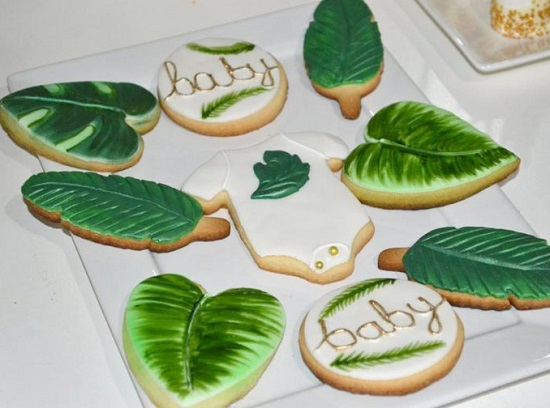 white tray for safari cookies