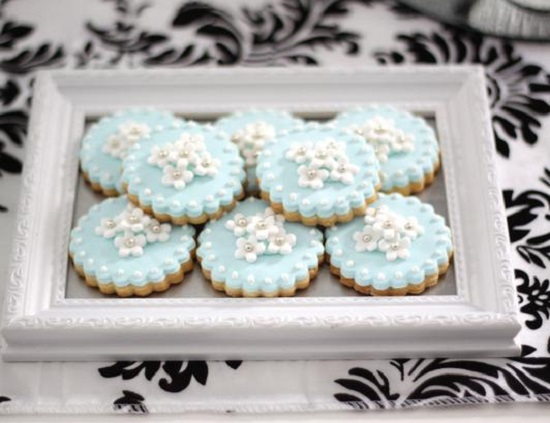 cookies on photo frame
